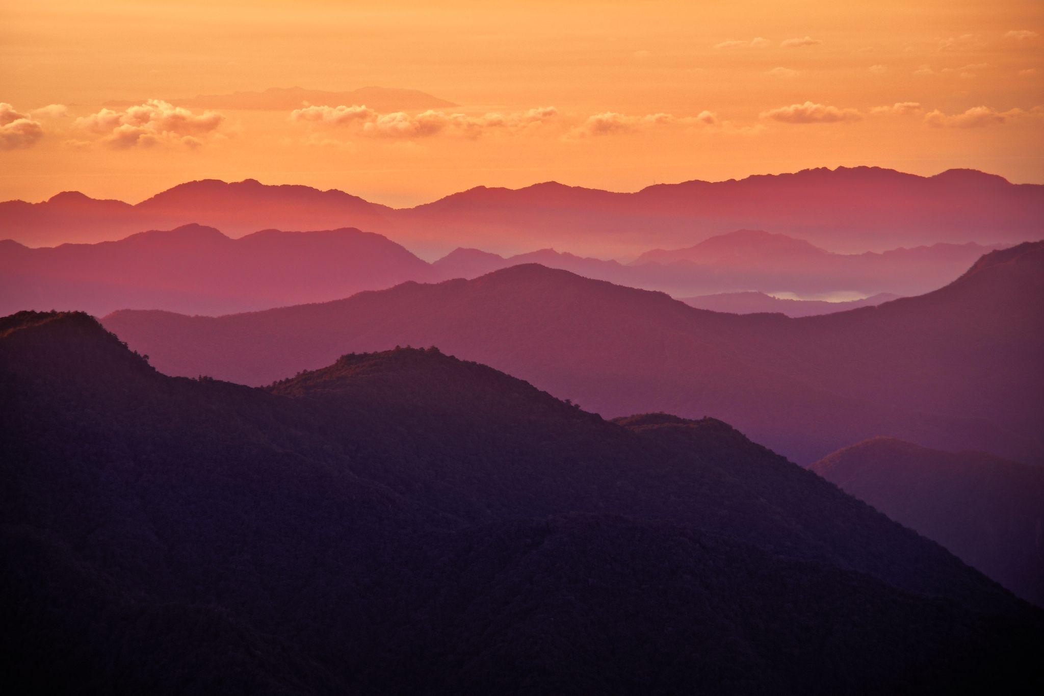 Sunrise In Central Mountain Range Taiwan 2048x1368 Http Amp Gs Lnpq Mountain Range Sunrise Mountain Sunrise