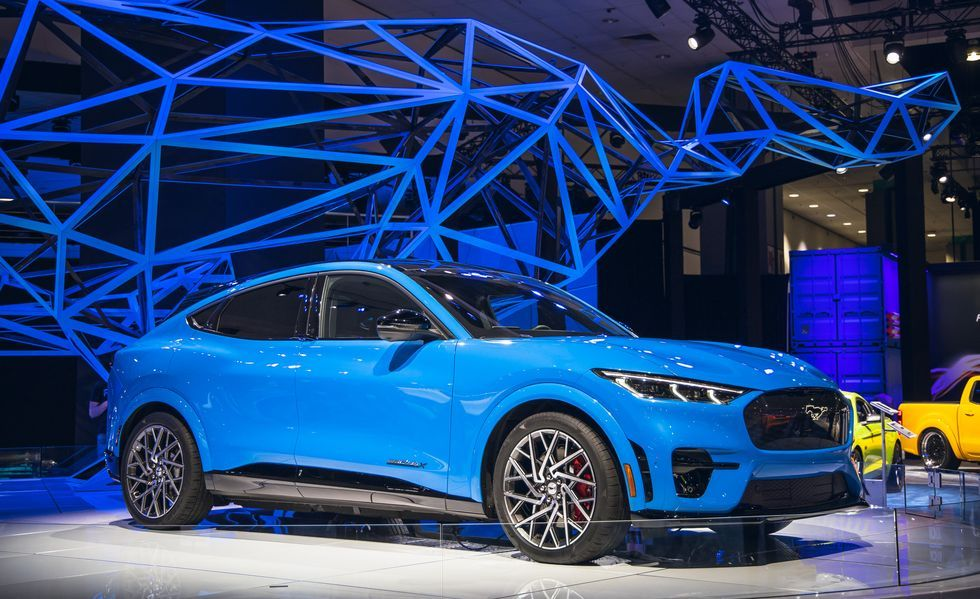 Ford S Bestselling Vans Take The Eco Friendly Route Starting With The 2022 Transit Electric Van In 2020 Ford Mustang Electric Van Mustang