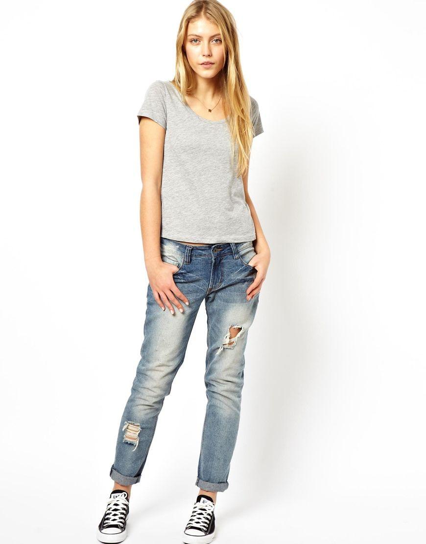 casual in boyfriend jeans