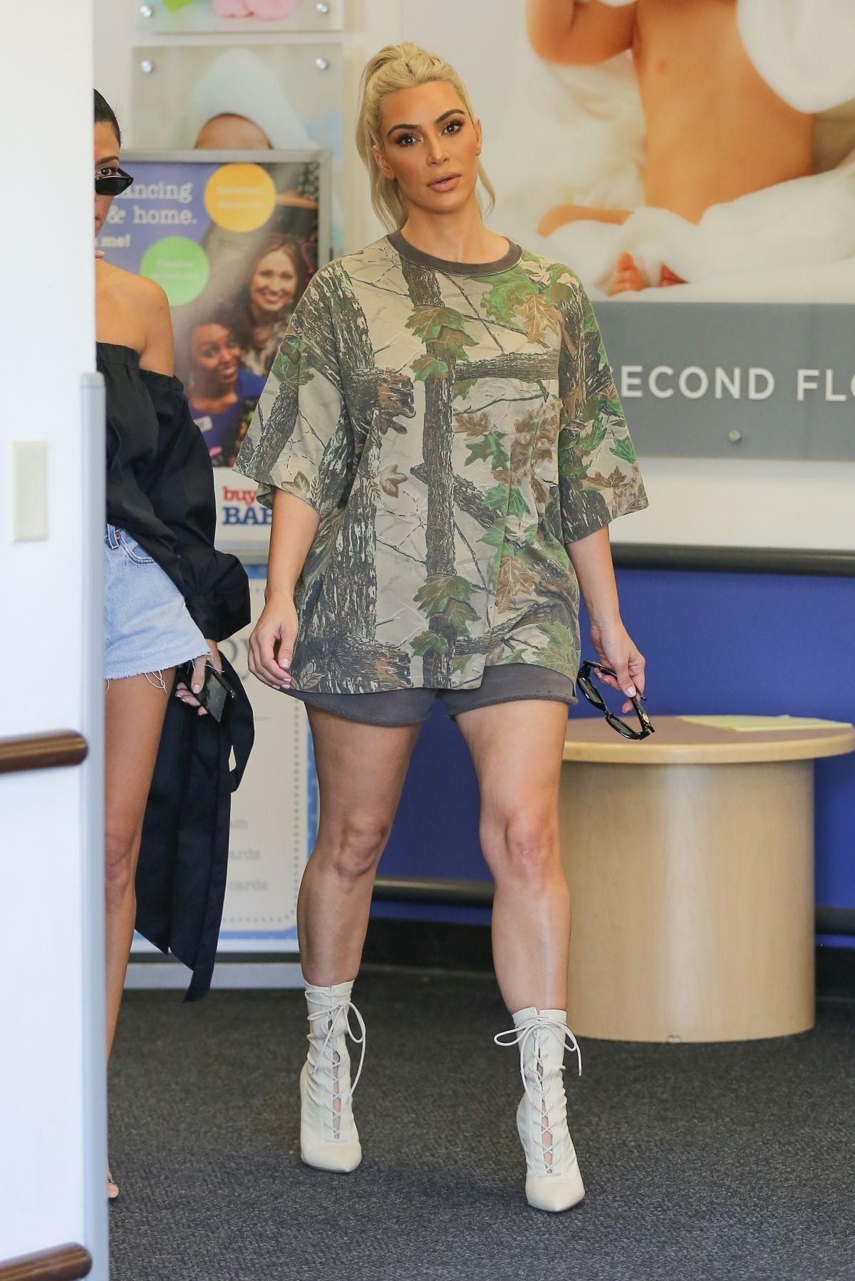 Kim And Kourtney Kardashian Shopping At Bbuybuy Baby In Calabasas 10