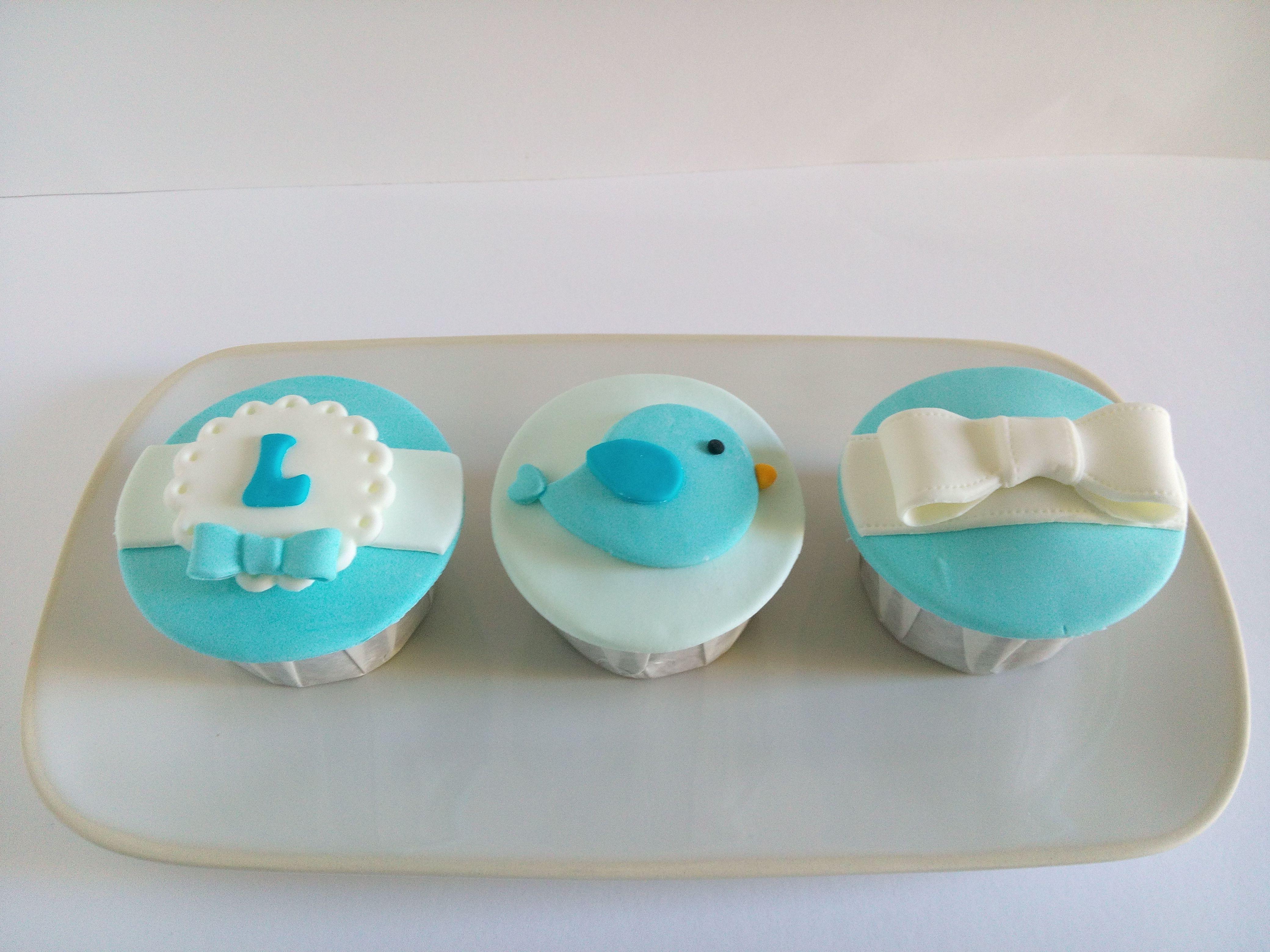 Cupcakes para batizado de menino