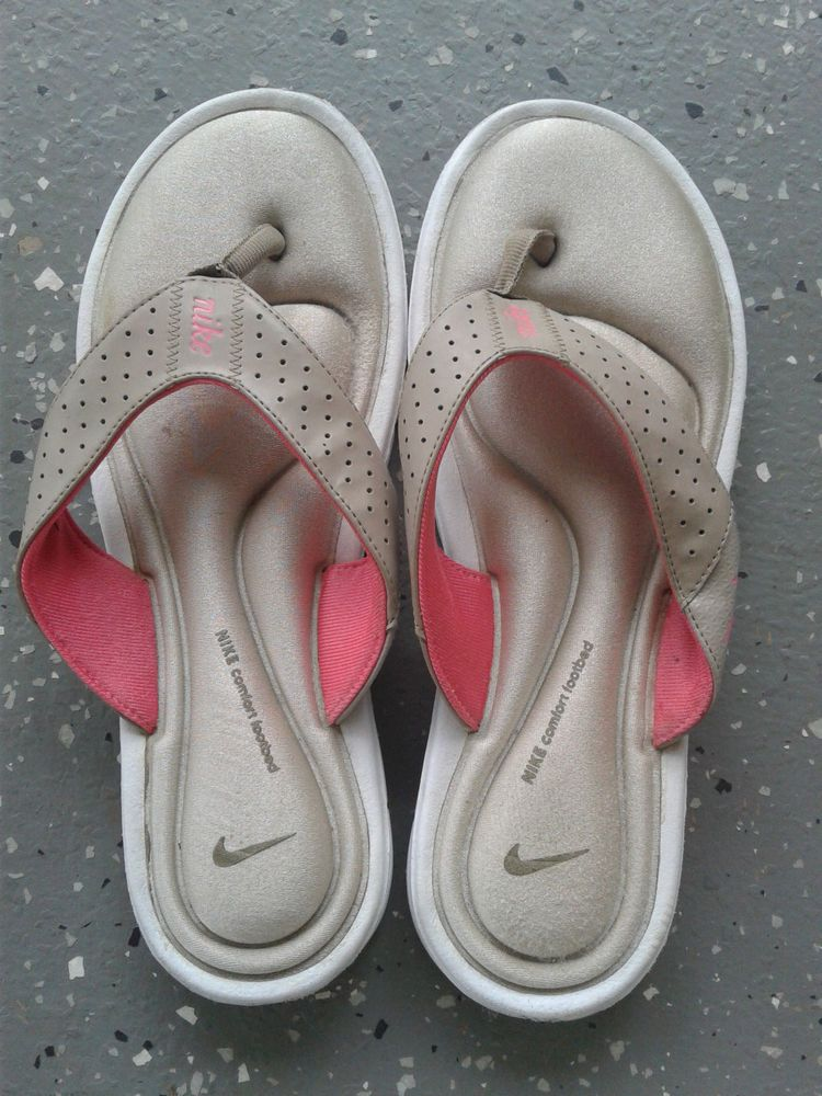 ee3913ca757e Nike Women s Cushion Flip Flops Size 9 Pink and Gray Nike Comfort Footbed   Nike  FlipFlops  Casual