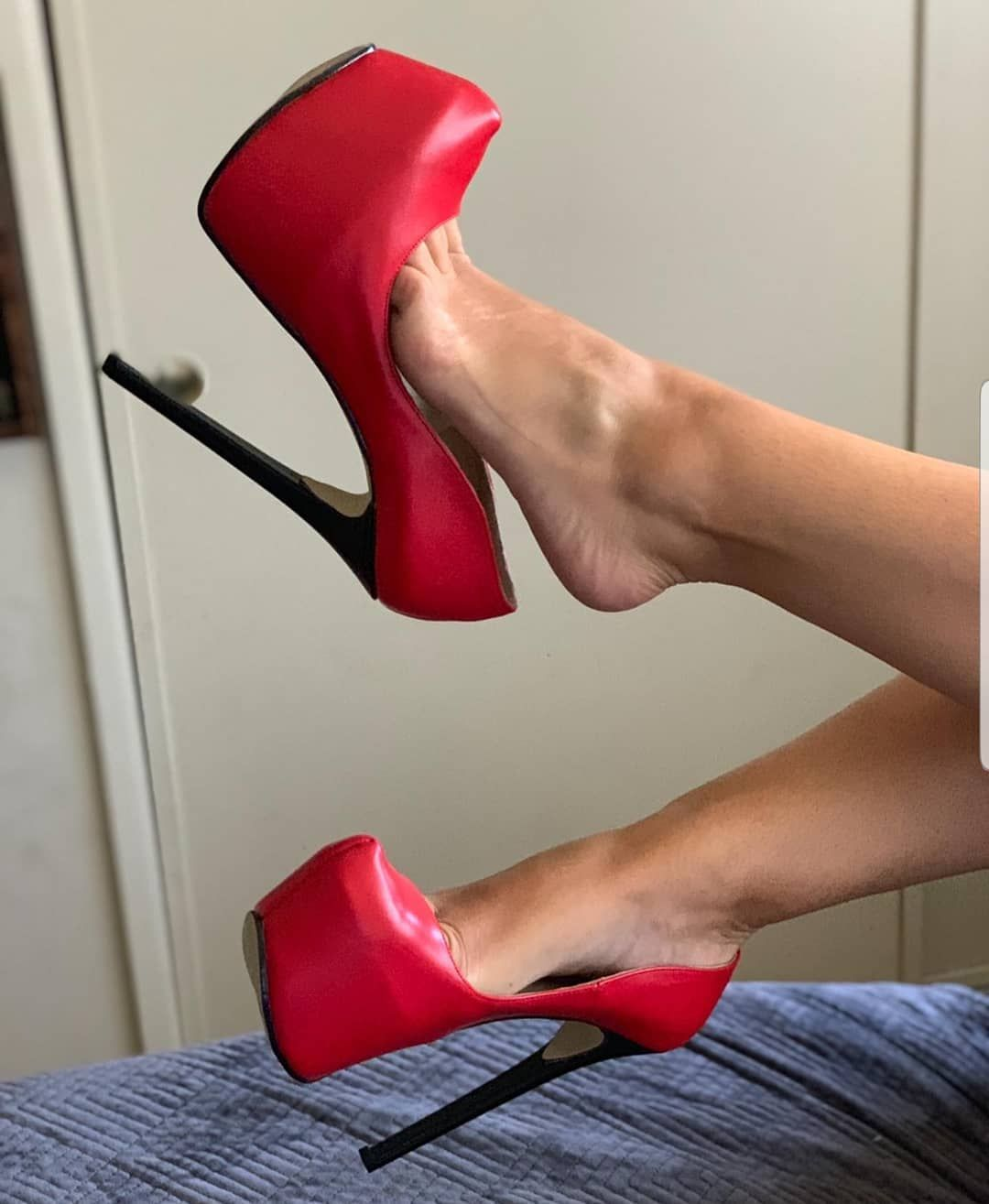 heel heels heelsaddict heellove heels heeladdict shoelove shoesaddict @h     is part of Stiletto heels -
