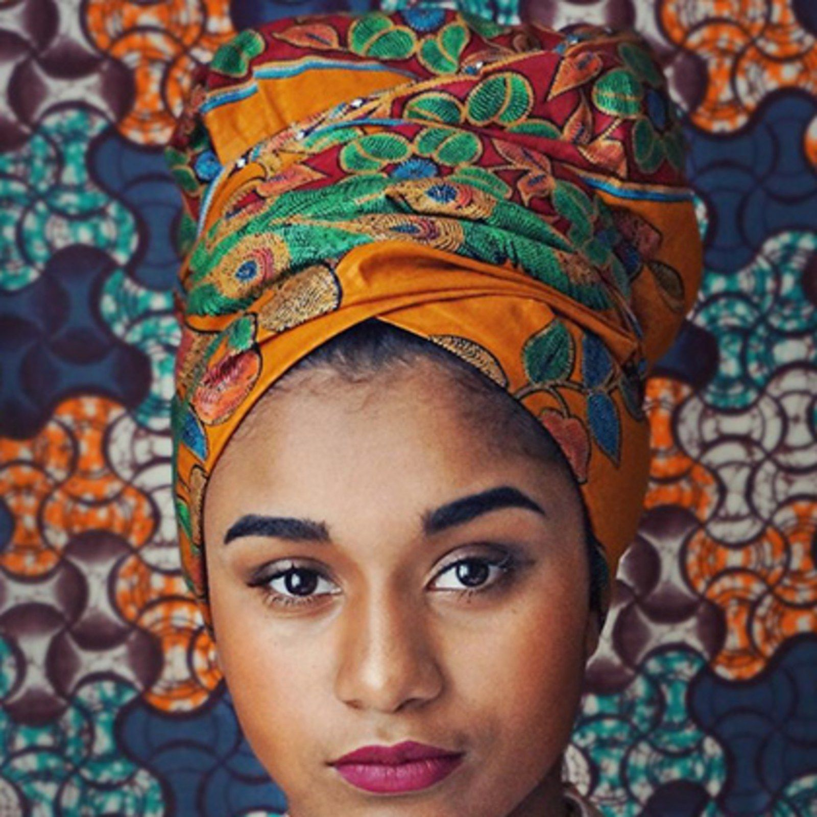 how to wear a headscarf as a top