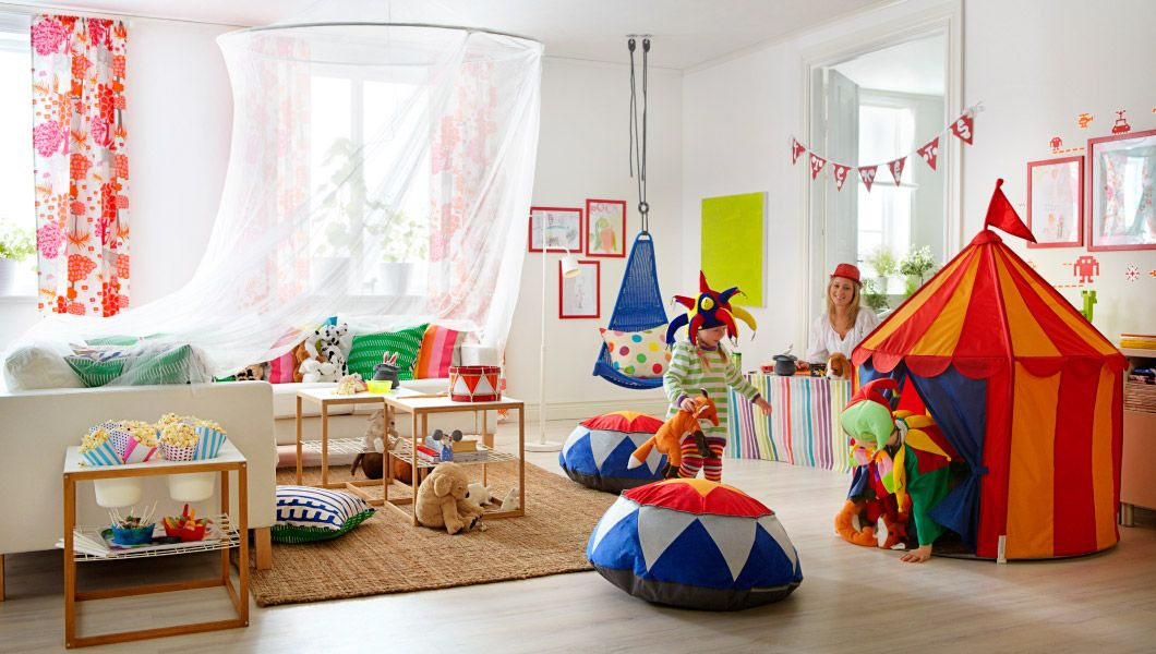 Niños jugando al circo en un salón IKEA | universo telar | Pinterest ...