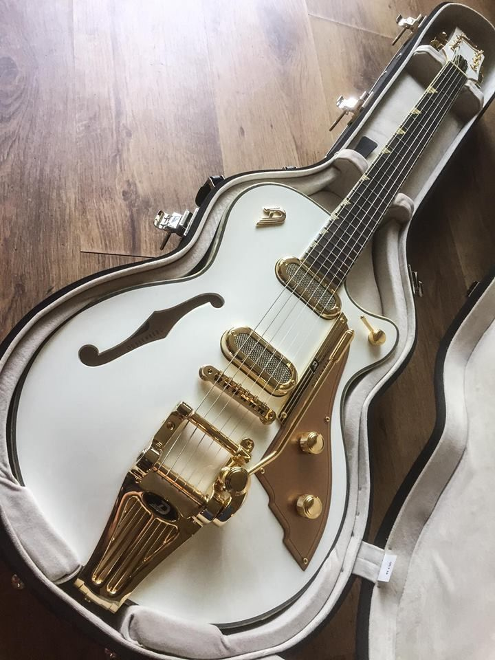 Starplayer Tv Phonic Duesenberg Guitar Classic Guitar Cool Guitar