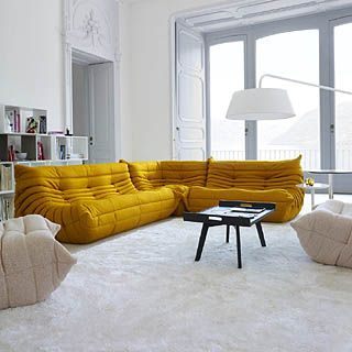 Summer Time With This Togo Ligne Roset Yellow Sofa In White Design Interior Selected By Www 20emesie Canape Design Italien Canape Design Canape Ligne Roset