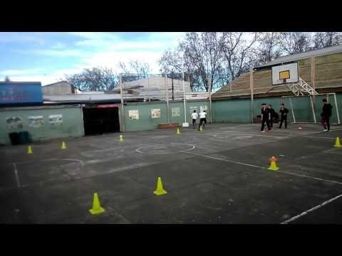 Juegos Educación Física - uno contra uno- YouTube