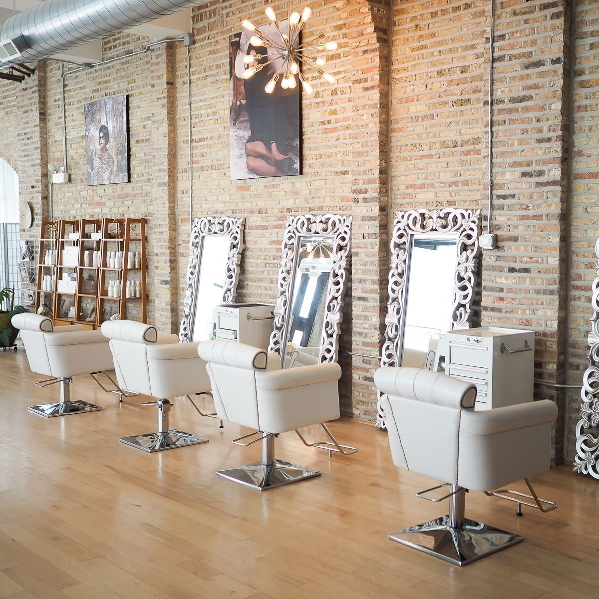 Our Chicago Makeup Studio We Offer Makeup Classes Weddings Bridal Makeup Airbrush Makeup And All Other Makeup Makeup Studio Beauty Room Artist Studio Decor