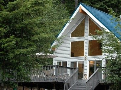 Cozy Mt Rainier Cabin Has Wifi A C Bbq Perfect For Couples Dog Friendly Paradise Estates Cabin Cabin Rentals Large Hot Tub