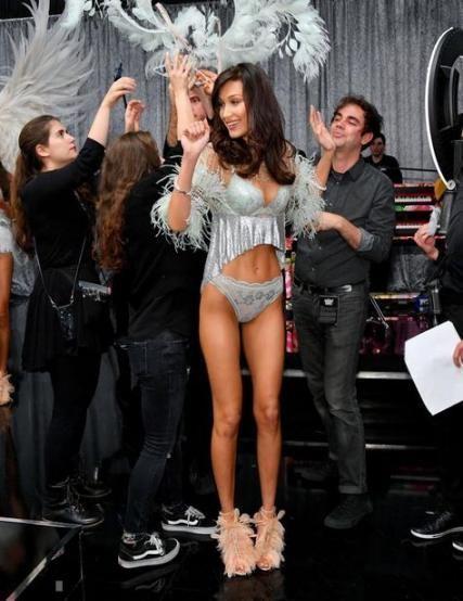 Trendy Fitness Model Brunette Victoria Secret Ideas -  Trendy Fitness Model Brun... -  Trendy Fitnes...