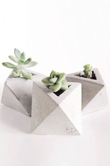 Concrete is the material of the moment, and Krizia Flores is capitalizing on it. Her angular pieces make the perfect housewarming and hostess gifts. (And, get one for yourself, too!)