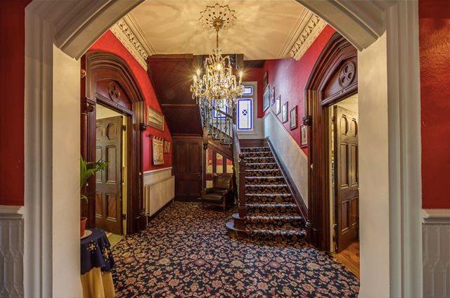 victorian era staircases | Victorian-era-mansion-03.jpg