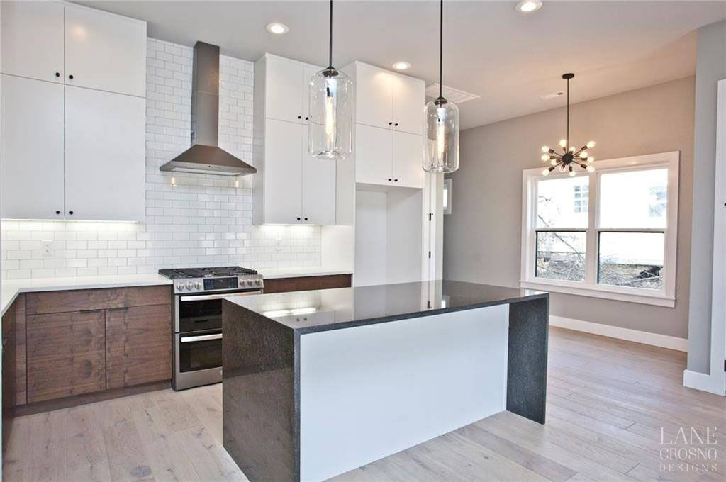 Pictures Of Kitchens Modern Two Tone Kitchen Cabinets Kitchen 194 Modern Kitchen Two Tone Kitchen Kitchen Design