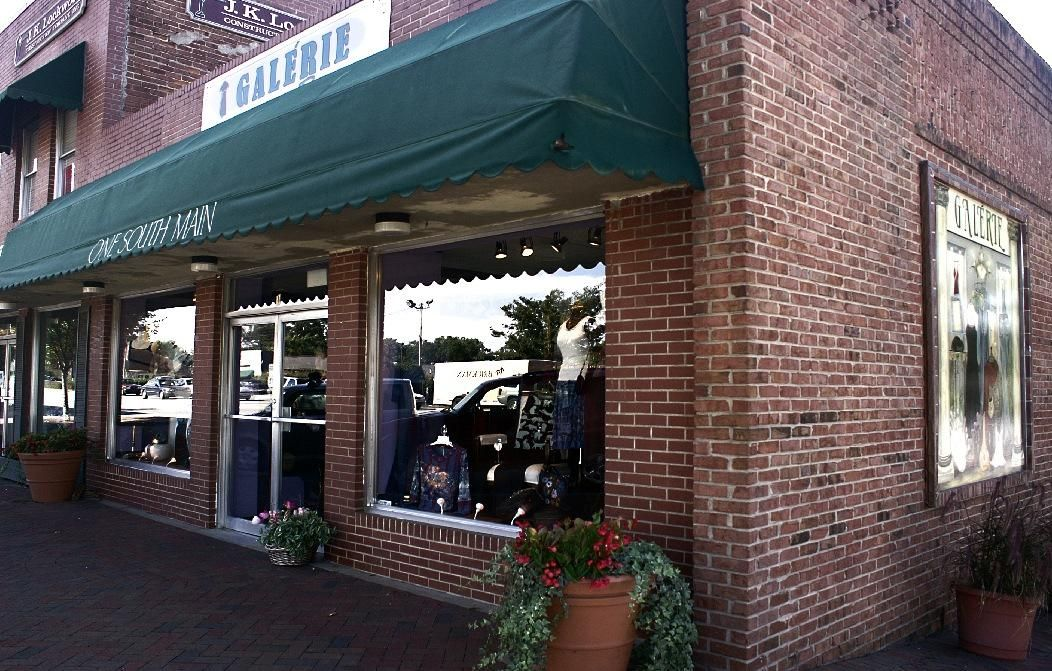 Galerie boutique in Roswell, Outdoor decor