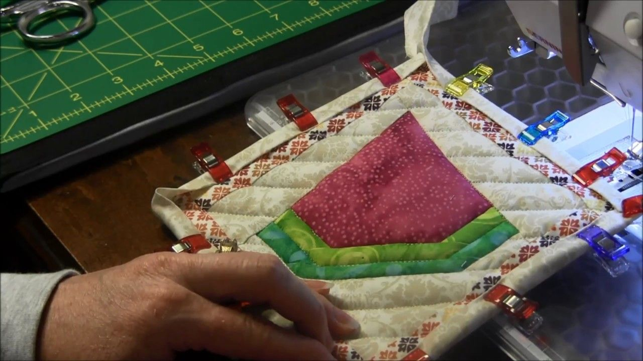 How to bind a potholder youtube quilt binding quilt