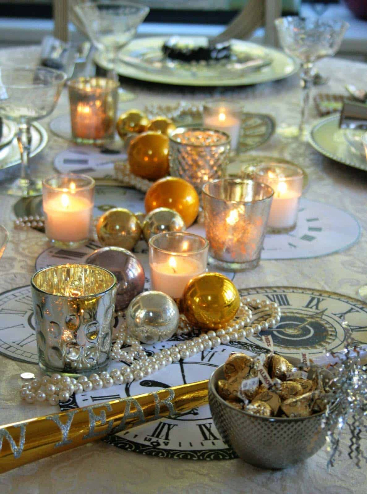 26 Festive and glamorous party table settings for New Year's Eve