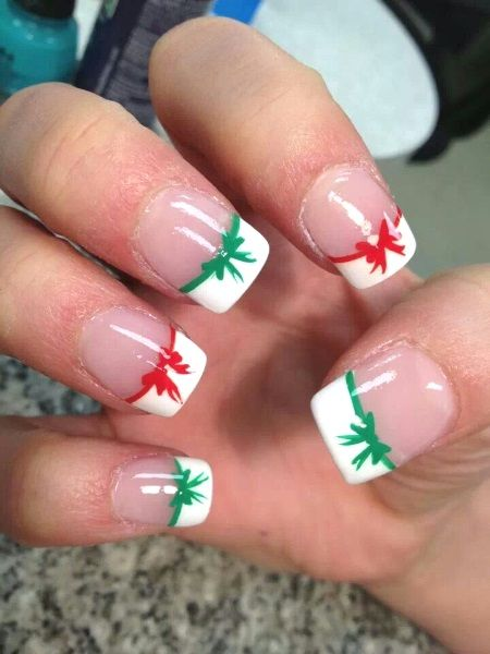 French Tip Of White And An Alternate Red And Green Ribbons For Each