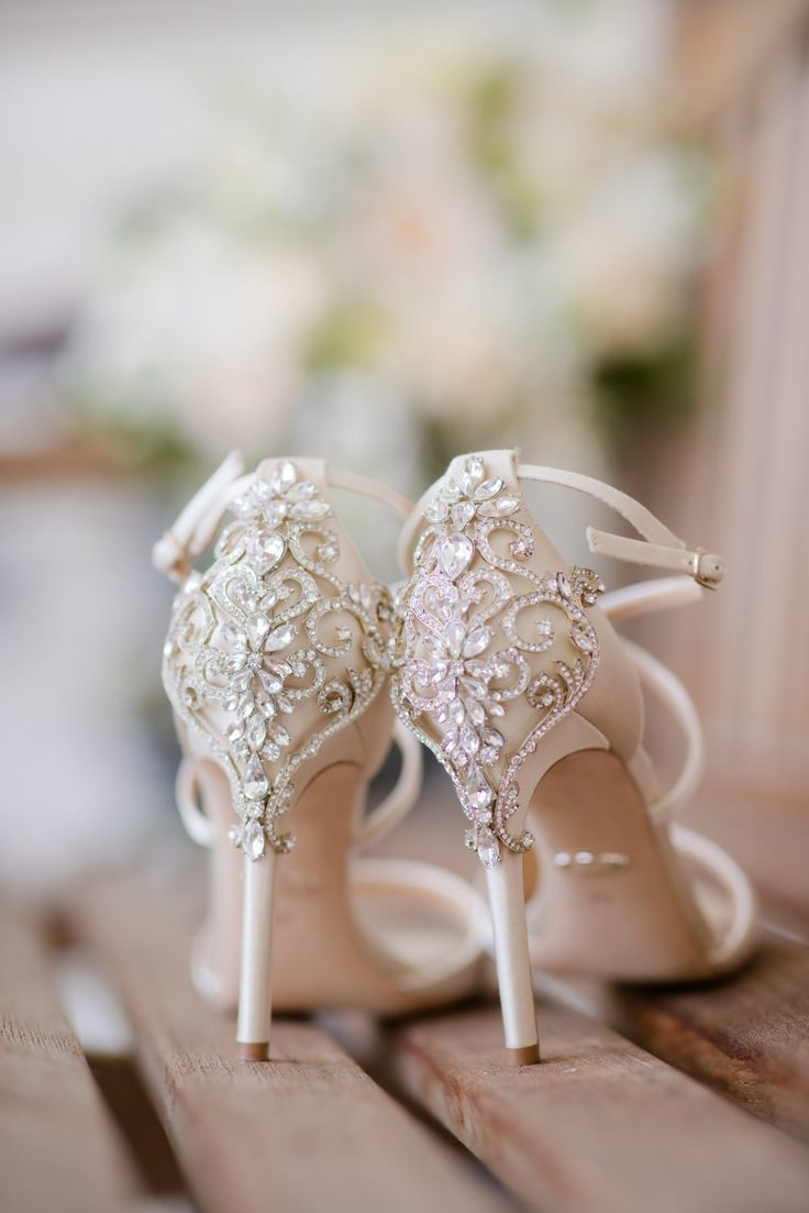 Badgley Mischka; wedding shoes | Glen Arbor Golf Club Wedding Photos by NJ Wedding Photographer, Vanessa Joy #weddingphotos #weddingphotography #weddingshoes #newjerseywedding