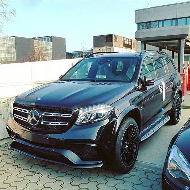 Full Size Suv Mercedes Amg Gls63 V8 Biturbo 0 Km H 4 6 Sec