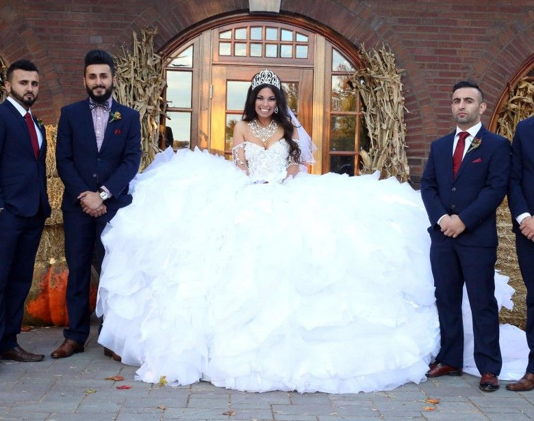 30 Brides Who Are Beyond Unique Worst Wedding Dress Gypsy