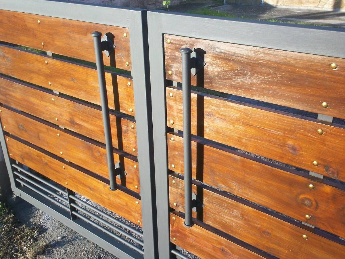 porton de hierro y madera buscar con google cercos