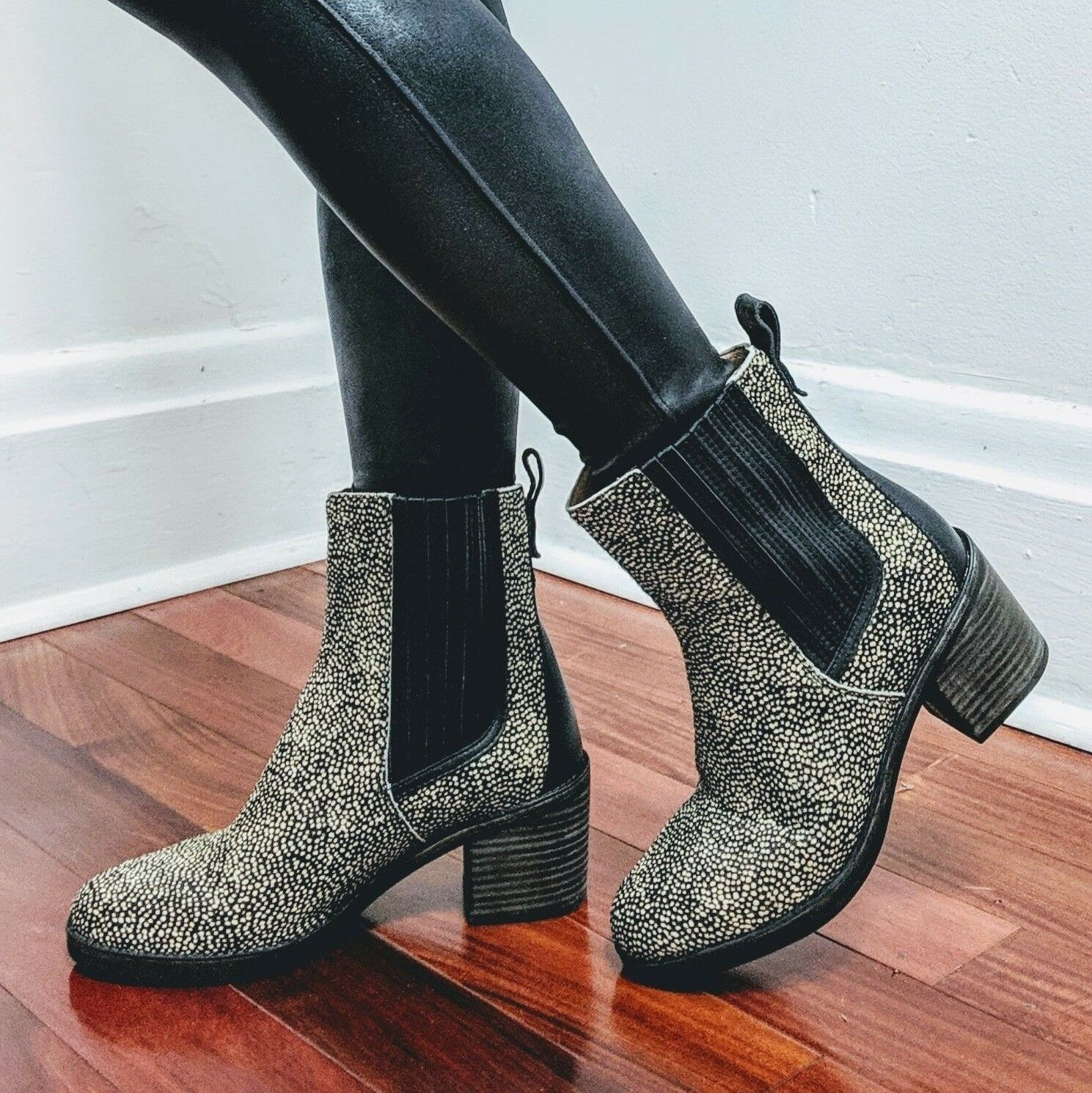 81b06e5633f UGG Camden Exotic Black Beige Speckled Dotted Cow calf Hair Women s ...