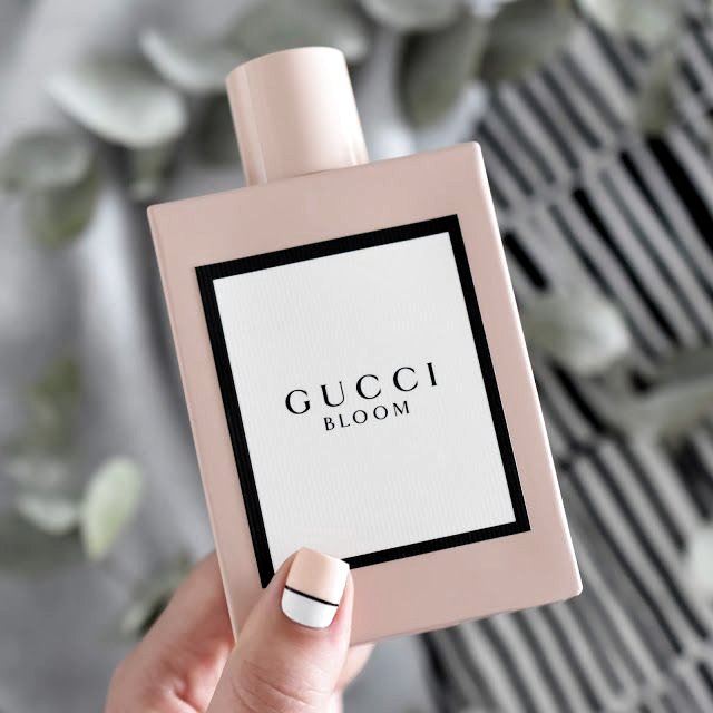Gucci Bloom La Balade Au Cœur Dun Jardin Luxuriant Beauty Perfume Fragrances Perfume Pink Perfume