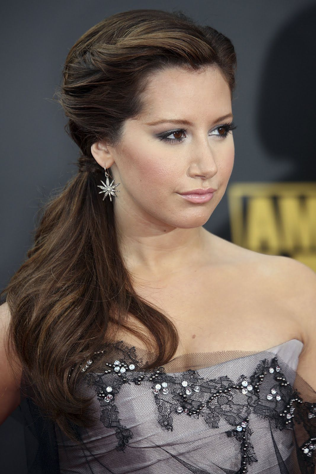 Quick Cute Ponytail Hairstyles Ponytail Hairstyles For All Hair Lengths The Fix Side Pony And