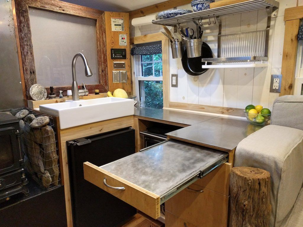 Kitchens · Thomas Tiny Bus House ...