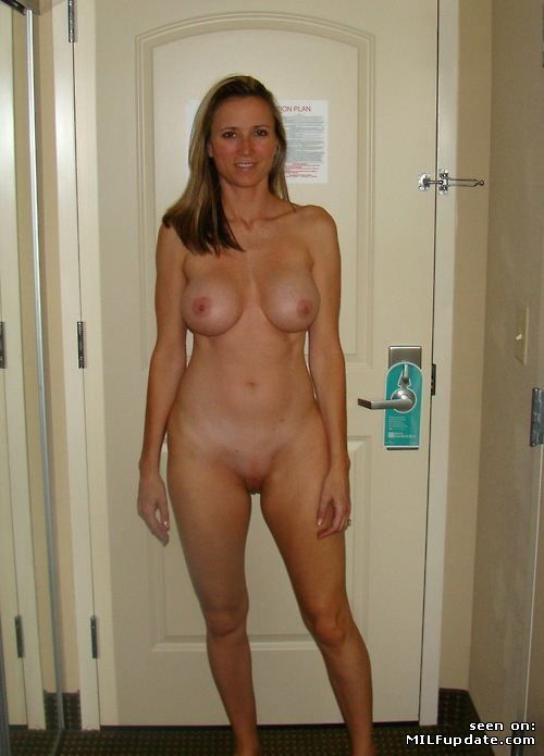 ugly-nude-in-hotel-full-xxx-stream