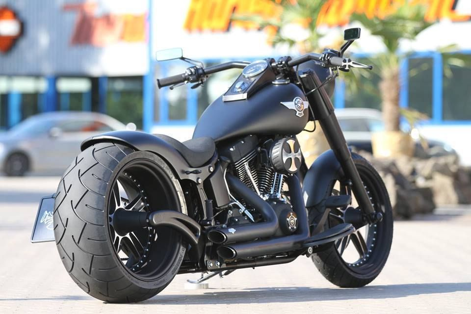 Love The Fatboy Style And That Matte Black Is Sick Harley Davidson Motorcycles Motorcycle Harley Davidson Bikes