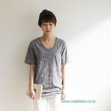 Korea womens apparel shopping mall [REDKITTEN] PRINTING byeolti / Size : FREE / Price : 23.02 USD #woman-fashion #casual #ootd #basic #tops #TEE #Tshirt #REDKITTEN