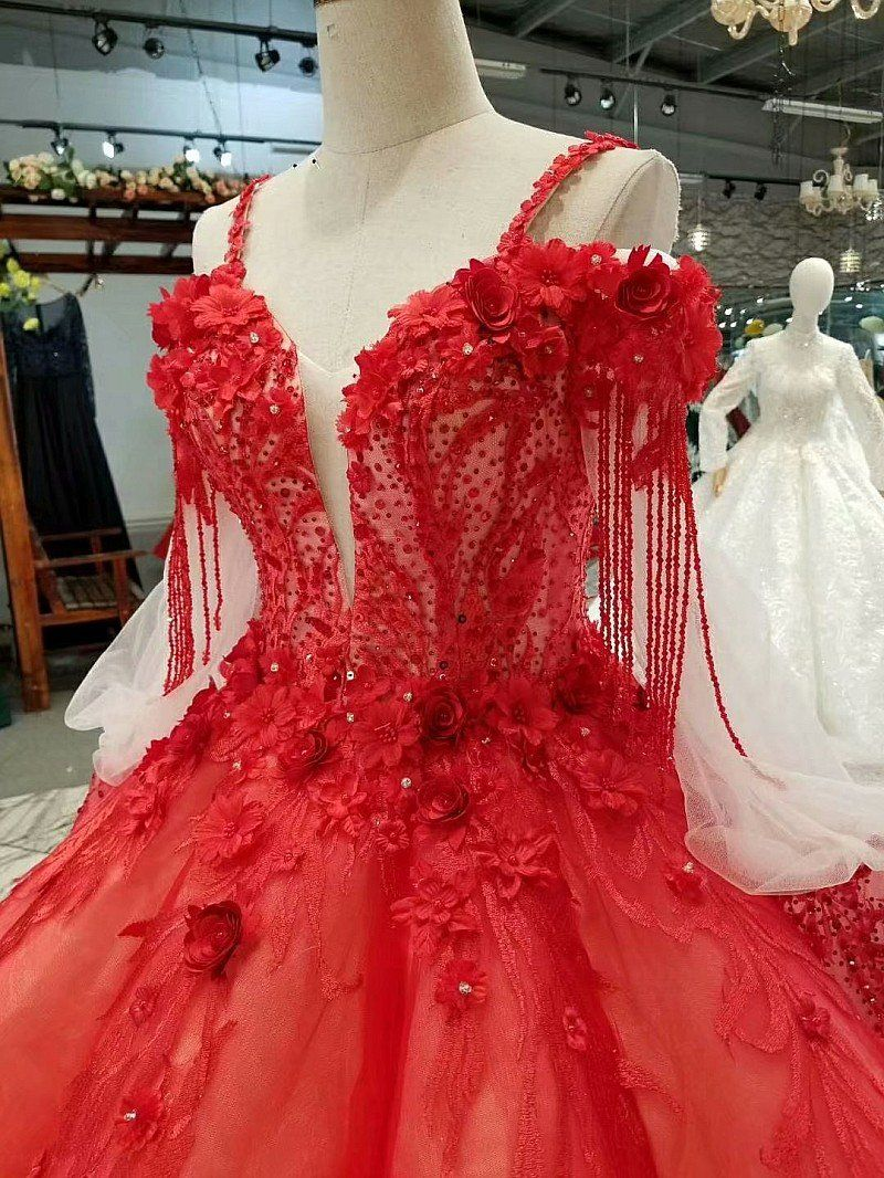 Red Cold Shoulder Simple Luxury Trailing Color Wedding