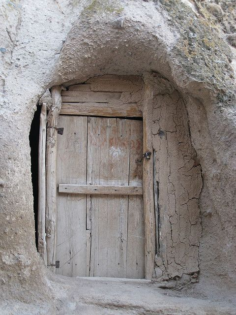 Old door porte doors old doors e closed doors - Maniglie finestre vecchie ...