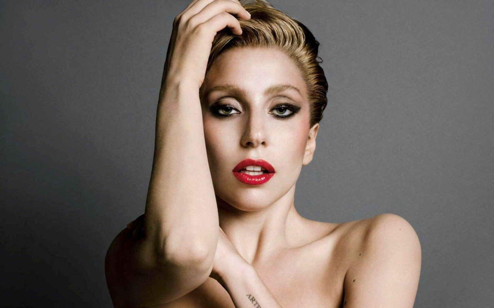 Top 4 Aspects of Lady Gaga That You Can Easily Copy and How - FeedZig