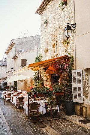 7 Places Not To Miss In Provence France Travel France Provence