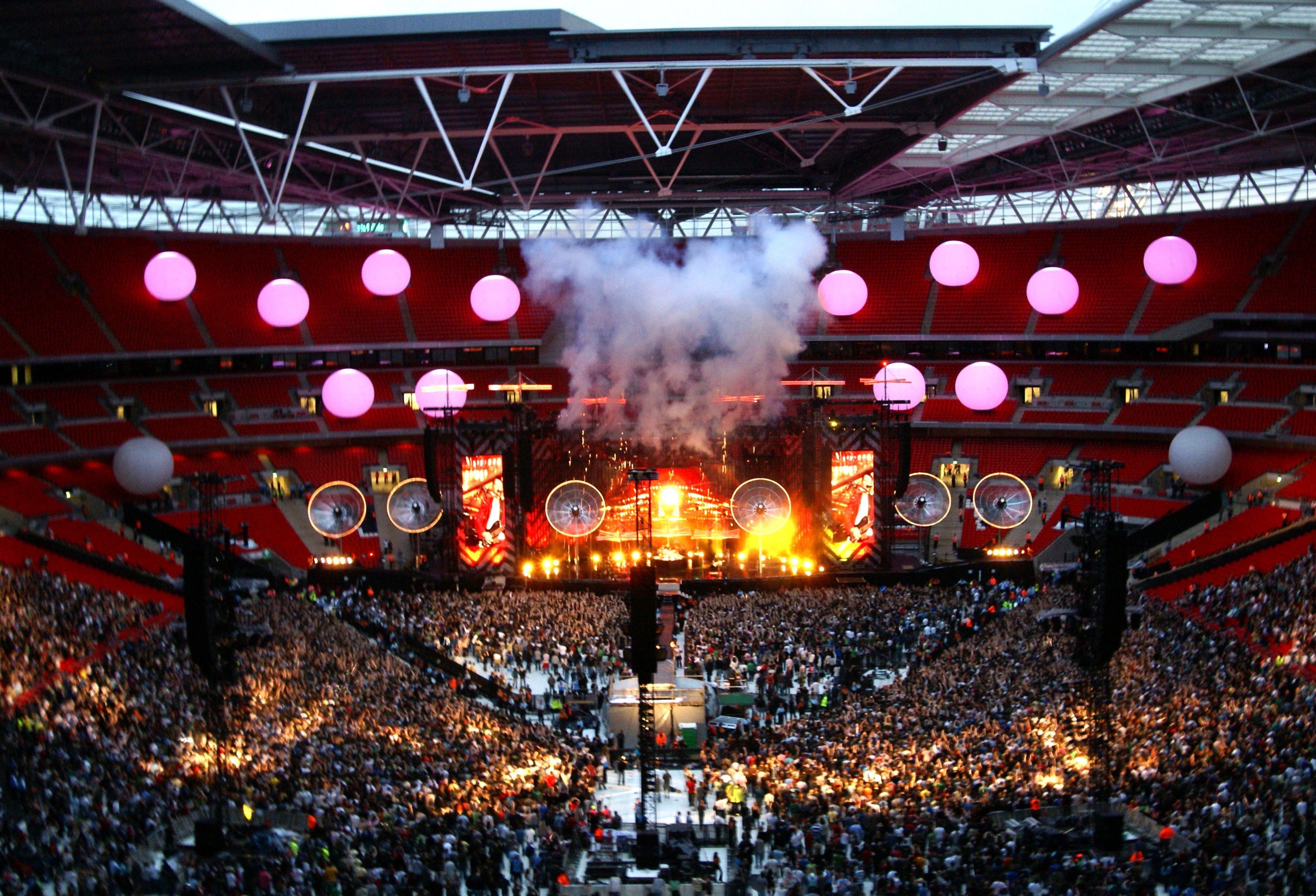 Panoramio - Photo of Muse at Wembley Stadium