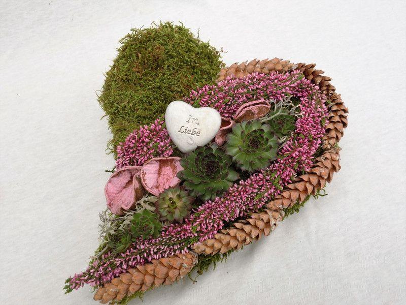 """Weiteres - Allerheiligen Gesteck Herz Grabgestecke """"In Liebe"""" - ein Designerstück von missbellflower bei DaWanda"""