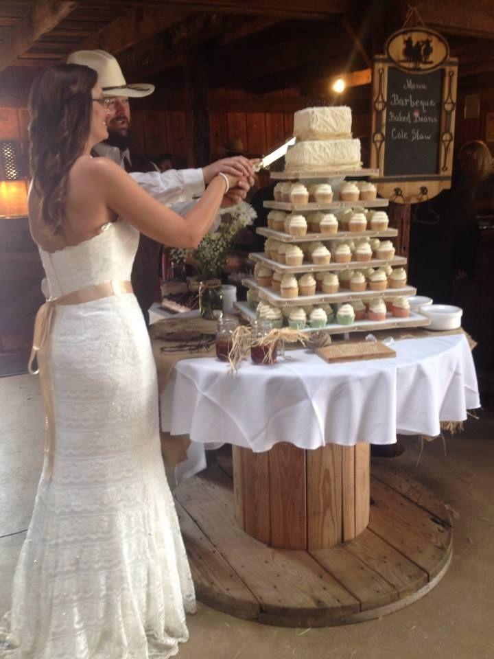 Wooden Spool Cake Table Family Retirement Plan
