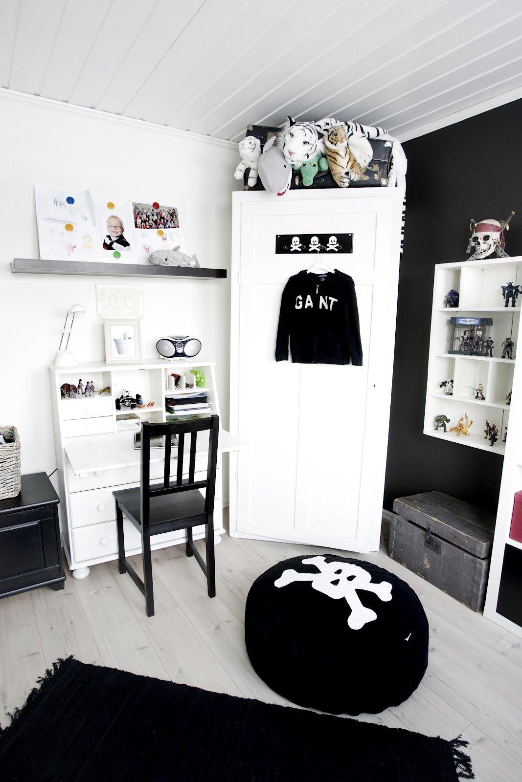 Pin by Bandit on Kids rooms | Room, Boy room, Teen boy rooms