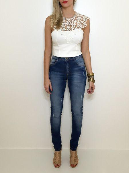 Calça skinny cintura alta rasgadinha