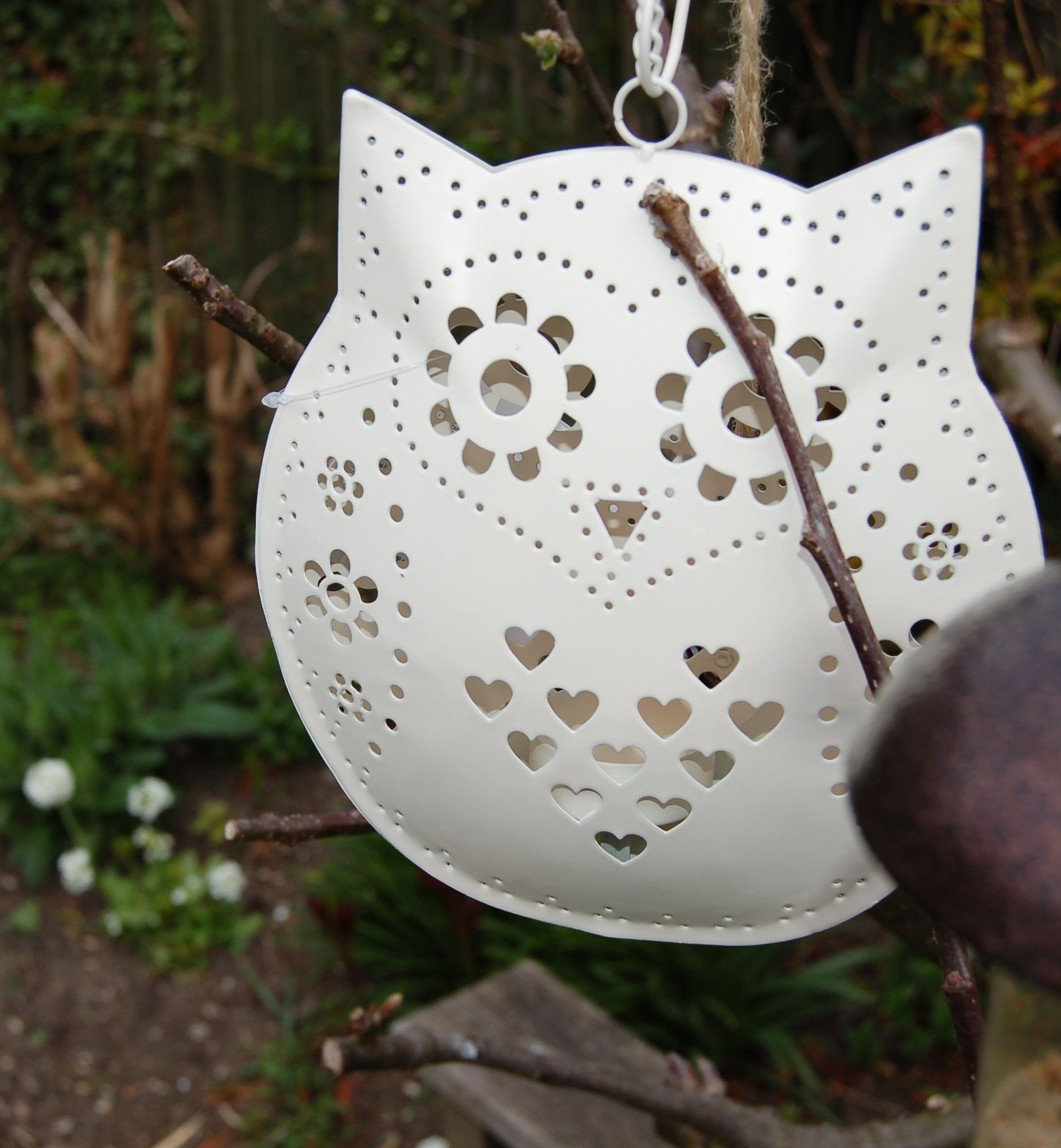Gorgeous tea light holder - can't wait to hang these in my garden. £7.45.   <3