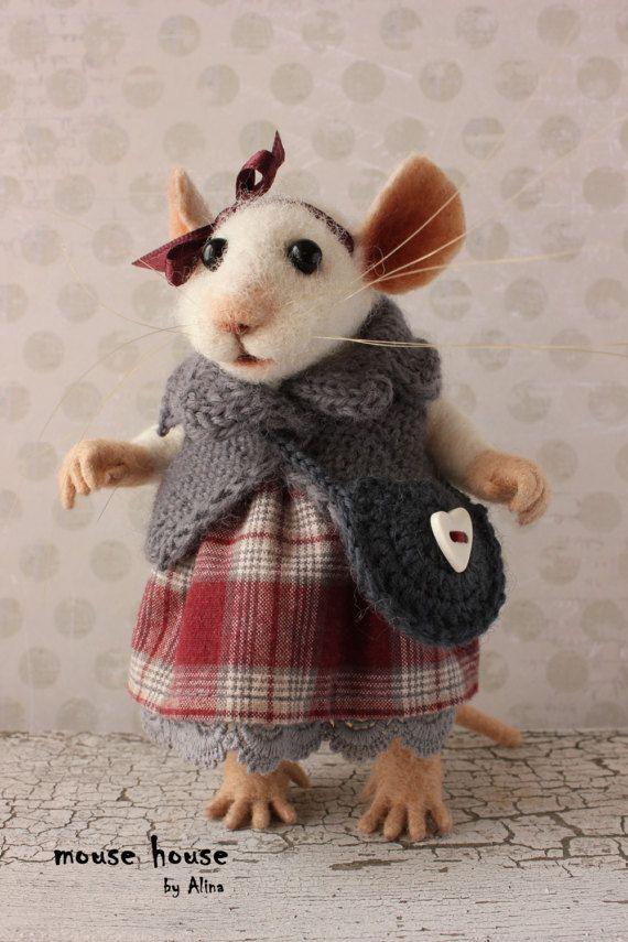 Maus mit Tasche, Sammler Figur, gekleidet E-Maus, weiche Skulptur, Nadel gefilzt Tier, süße Filz, Eco-Spielzeug, Kunst-Puppe #feltedwoolanimals