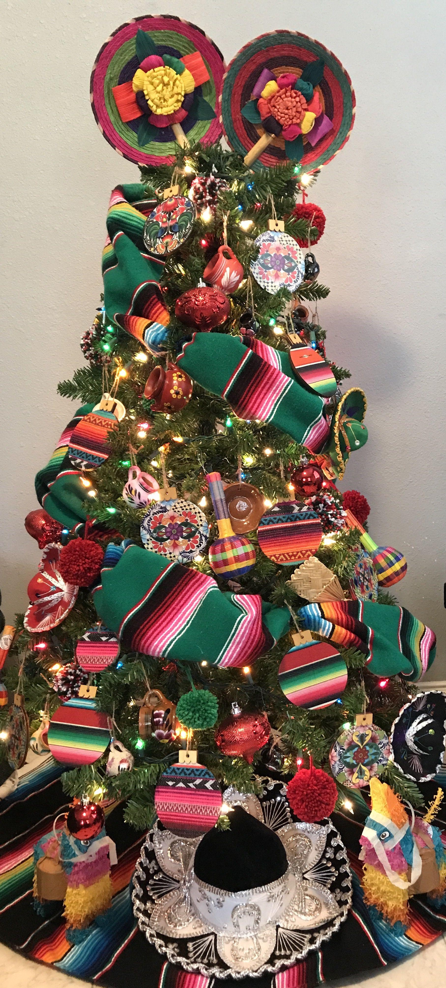 Mexican christmas tree rbol navide o artesaniasmexico for Decoracion christmas navidenos