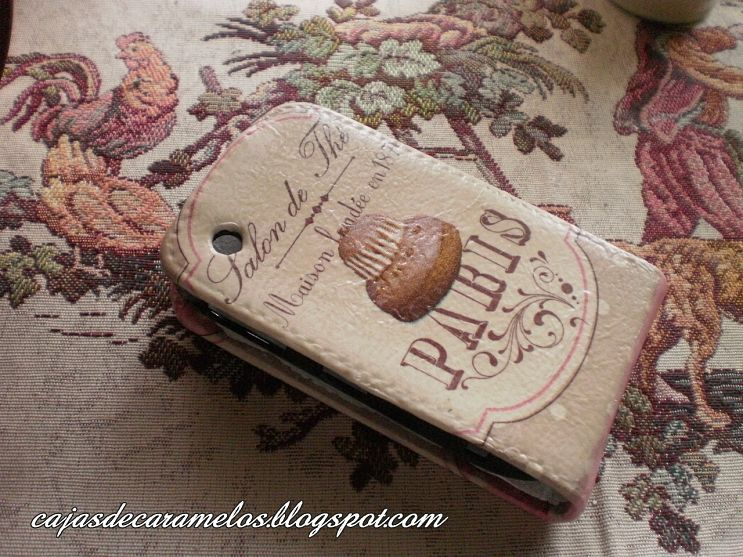 Decoupage Mobili ~ Mobile phone cover decorated with decoupage technique decoupage
