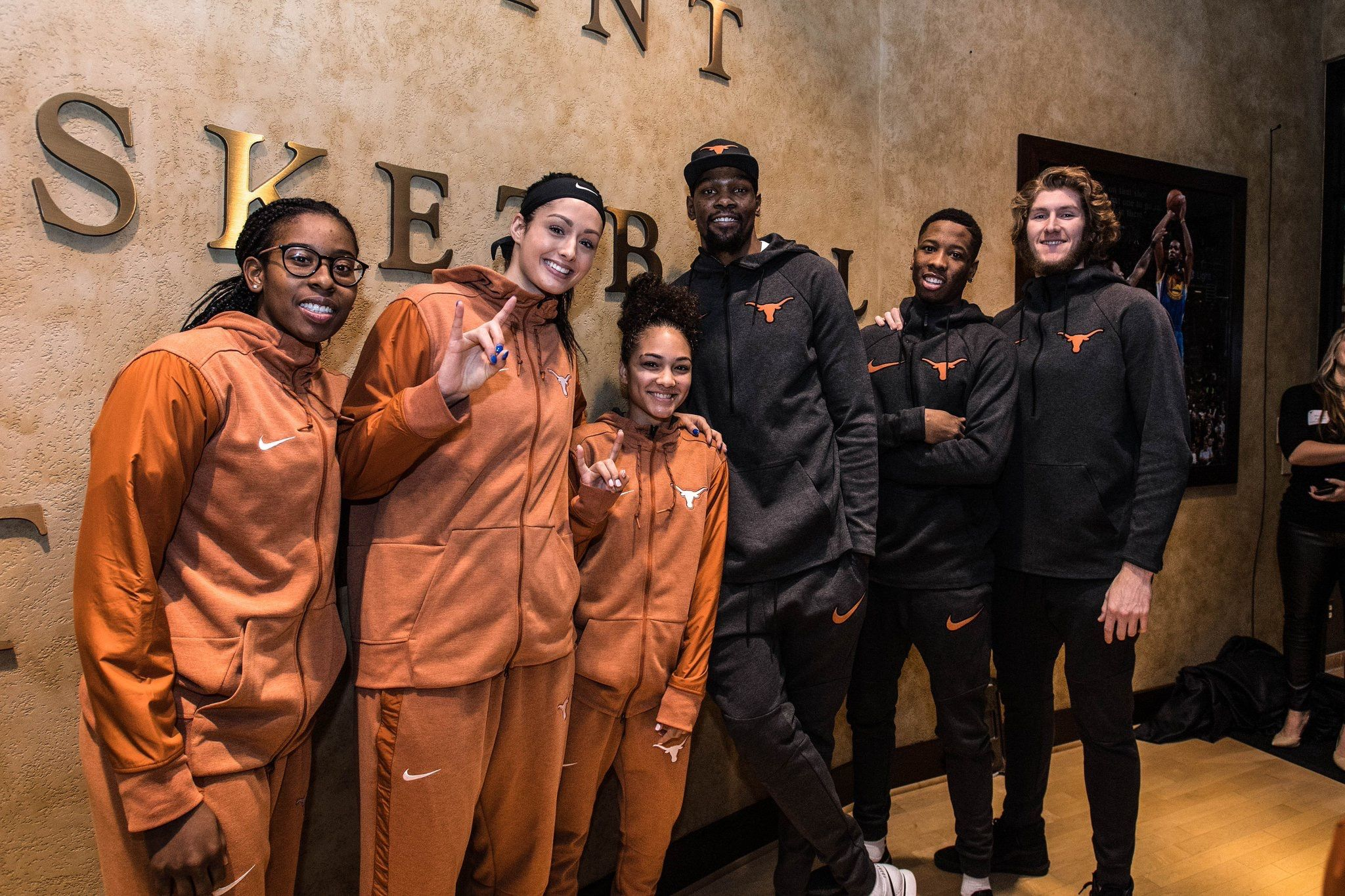 a45407c85500 Kevin Durant donates  3 million to University of Texas at Homecoming  AUSTIN
