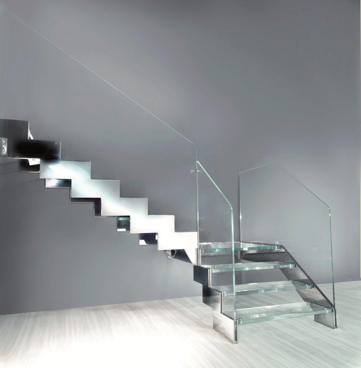 escalier quart tournant avec marches en verre limon. Black Bedroom Furniture Sets. Home Design Ideas