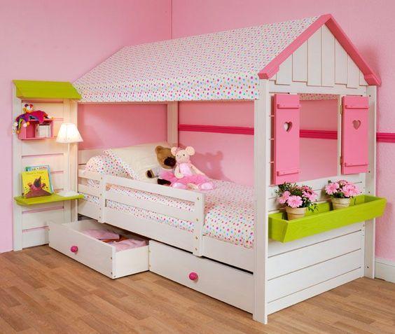 Lit cabane inspiratie kinderkamers pinterest lit cabane lits et chambres - Cabane bebe interieur ...