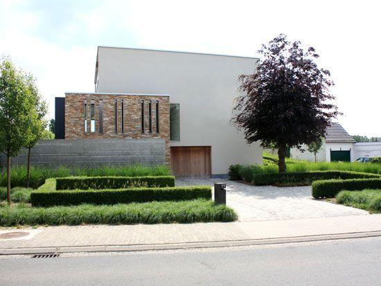 Voortuin outside pinterest moderne tuinen tuinen en for Voortuin strak modern